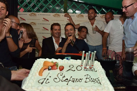 vip versilia torta per i 20 anni di Stefano Busa a la capannina di franceschi