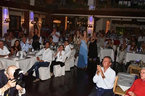 il pubblico de la capannina di franceschi per ornella vanoni